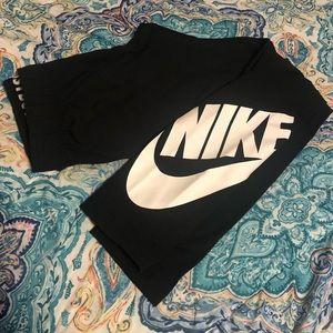 Nike Pants - NIKE women's medium leggings